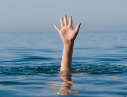 วิธีการปฐมพยาบาลเบื้องต้น ช่วยคนจมน้ำ ข้อควรรู้ที่เราอาจหลงลืม